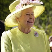 "Queen makes plea for ""common ground"" in a thinly-veiled plea for common ground."